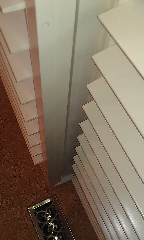 Light Block Closing Gap between Panels